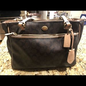 Coach larger brown authentic tote bag.